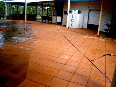 Entetainment area pressure cleaning