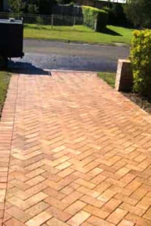 pressure cleaning pavers 2